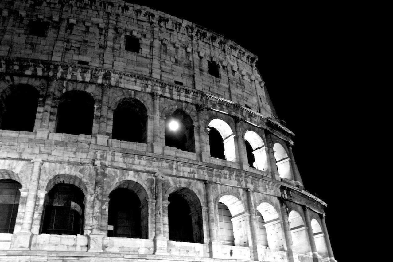 Rome Colosseo Colosseum Moonlight Moonrise Blackandwhite Photography Beautiful Moon  Rome Italy Italy Black & White Overnight Success