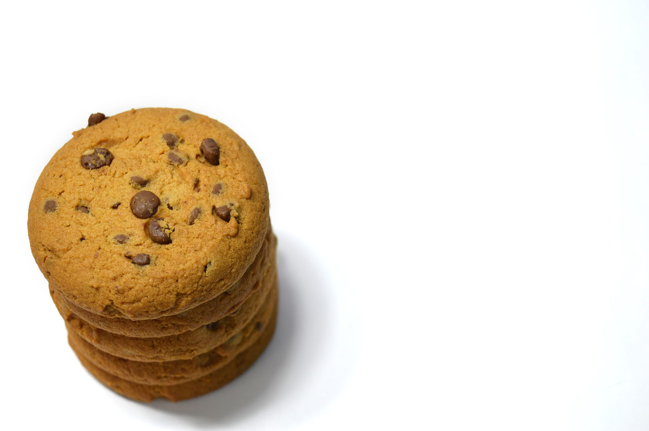 Chocolate chips cookies isolated on white Bake Biscuit Breakfast Brown Calories Carbohydrate - Food Type Chocolate Chip Close-up Cookie Cookies Day Delicious Dessert Food And Drink Fresh Freshness Handmade No People Snack Snack Studio Shot Sweet Food Temptation White Background