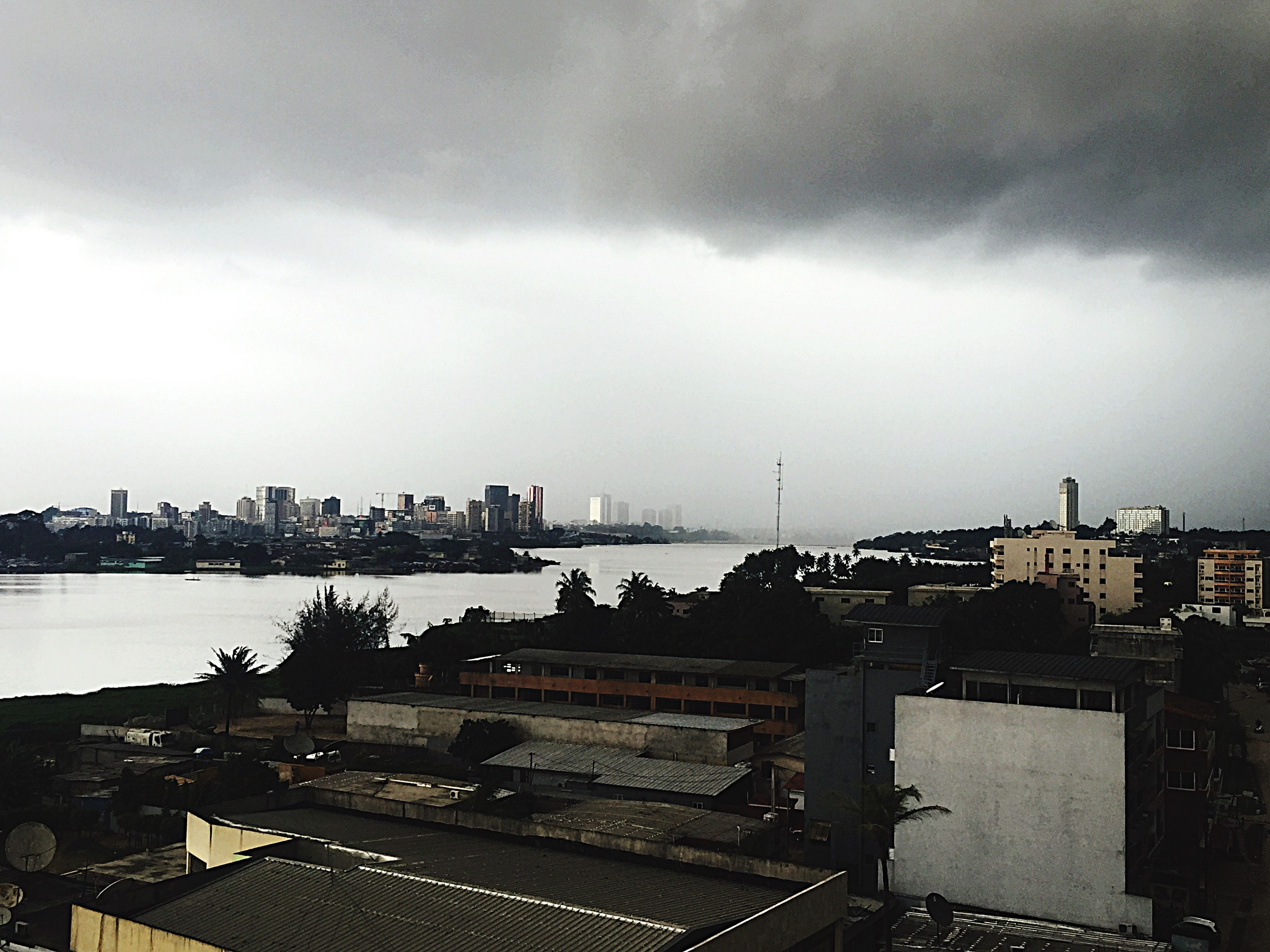 Storm Battle Of Cities Plateau Business Center Petitnewyork Perledeslagunes Cotedivoire