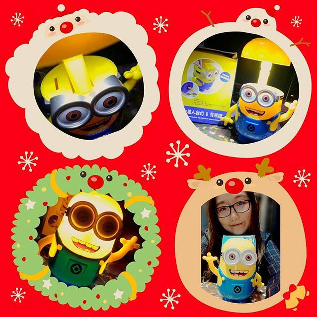 不免俗的拍一下我抽到的~ #交換禮物 (*´∀`*)覺得有趣♡ Merry Christmas Xmas Gift 20151220 Funny Minions Hahaha So Cute Light Lamp 小小兵 存錢筒 檯燈