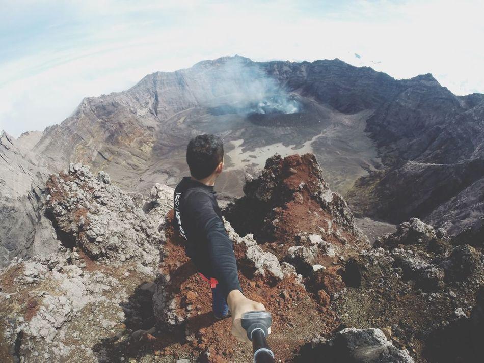 kawah puncak sejati 3344mbpl Hello World Mountains Gopro