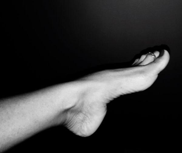 Human Leg Human Foot Bodyart Body Curves  Body Language sClose-up -Studio Shot mReal People pIndoors  oDay dPeople pWoman's Foot oWoman's Leg lBlackandwhite Photography Foot