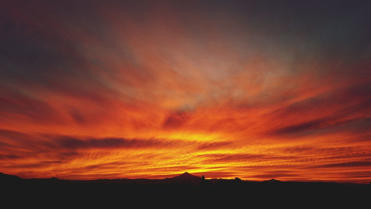 Sky on fire Central Oregon Central Oregon Sunset Sunset Orange Mountain Mount Jefferson