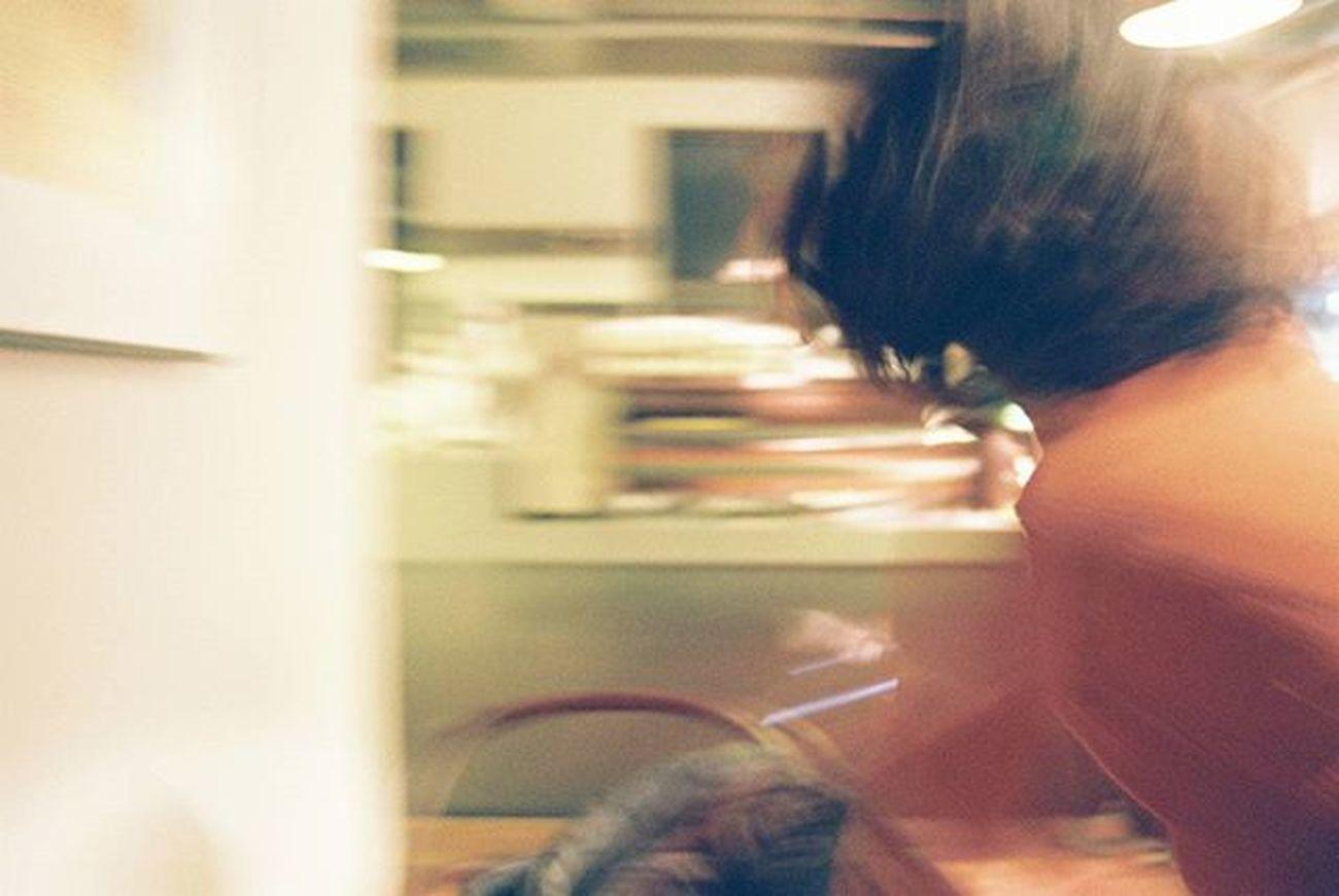 2016.03.19. 고객님, 커피나왔습니다. Likeawind Flash 테일러커피 홍대 35mm Film Filmisalive Minolta Minoltax700 Fujifilm Nofilter 무보정 필름사진