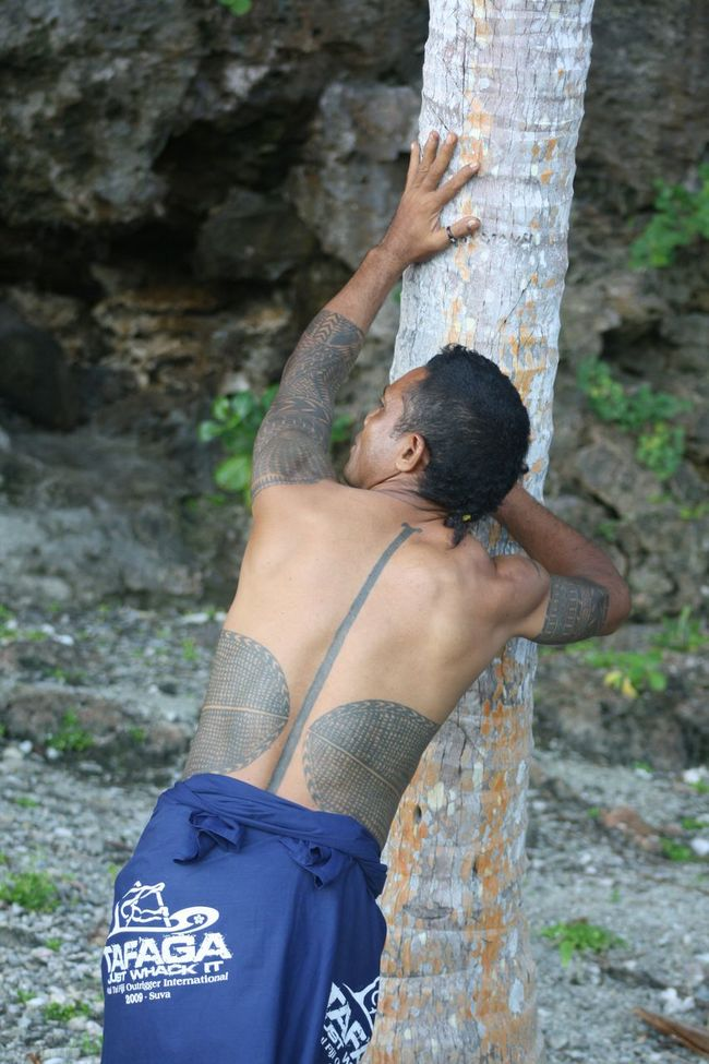 Picturing Individuality Cultural identity Bellona, Solomon Islands Aotaha Avaiki Polynesian Melanesian Traditional Tattoo Tattoo Tribal Lines