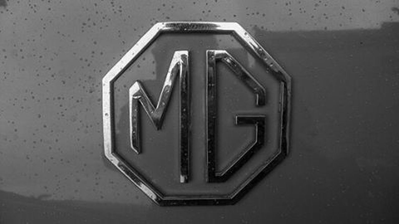 Old MG badge Classic Vintage Britain Picoftheday Photooftheday Love New Loveit MG  Car Vintage IGDaily Igaddict Blackandwhite Leicacamera Leica Instagood Leicacraft Instapic