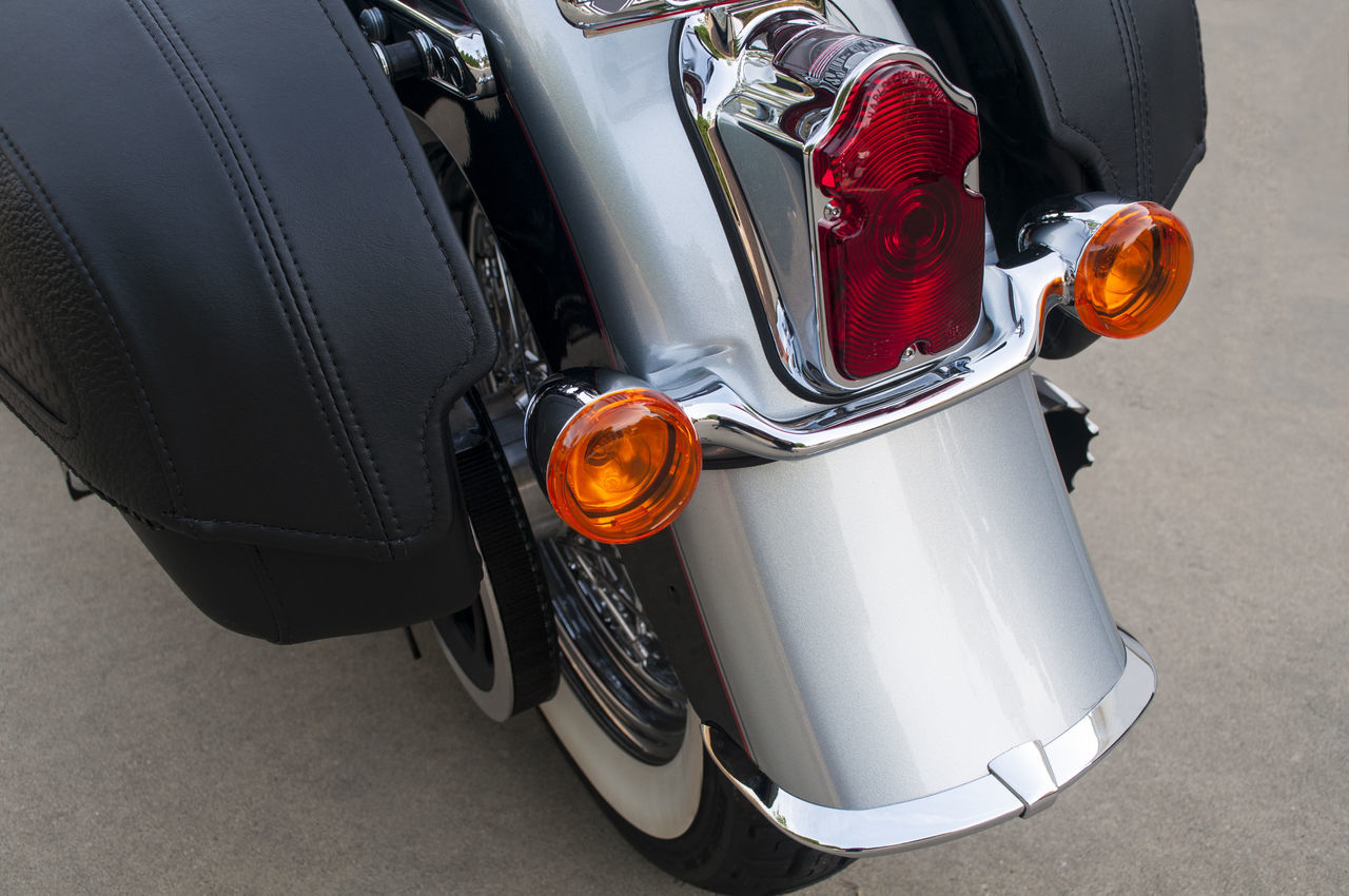 Motorcycle Rear Classic Style Bike Chrome Classic Close-up Fender Lights Mode Of Transport Motorcycle Rear Saddle Saddle Bags Style Tire