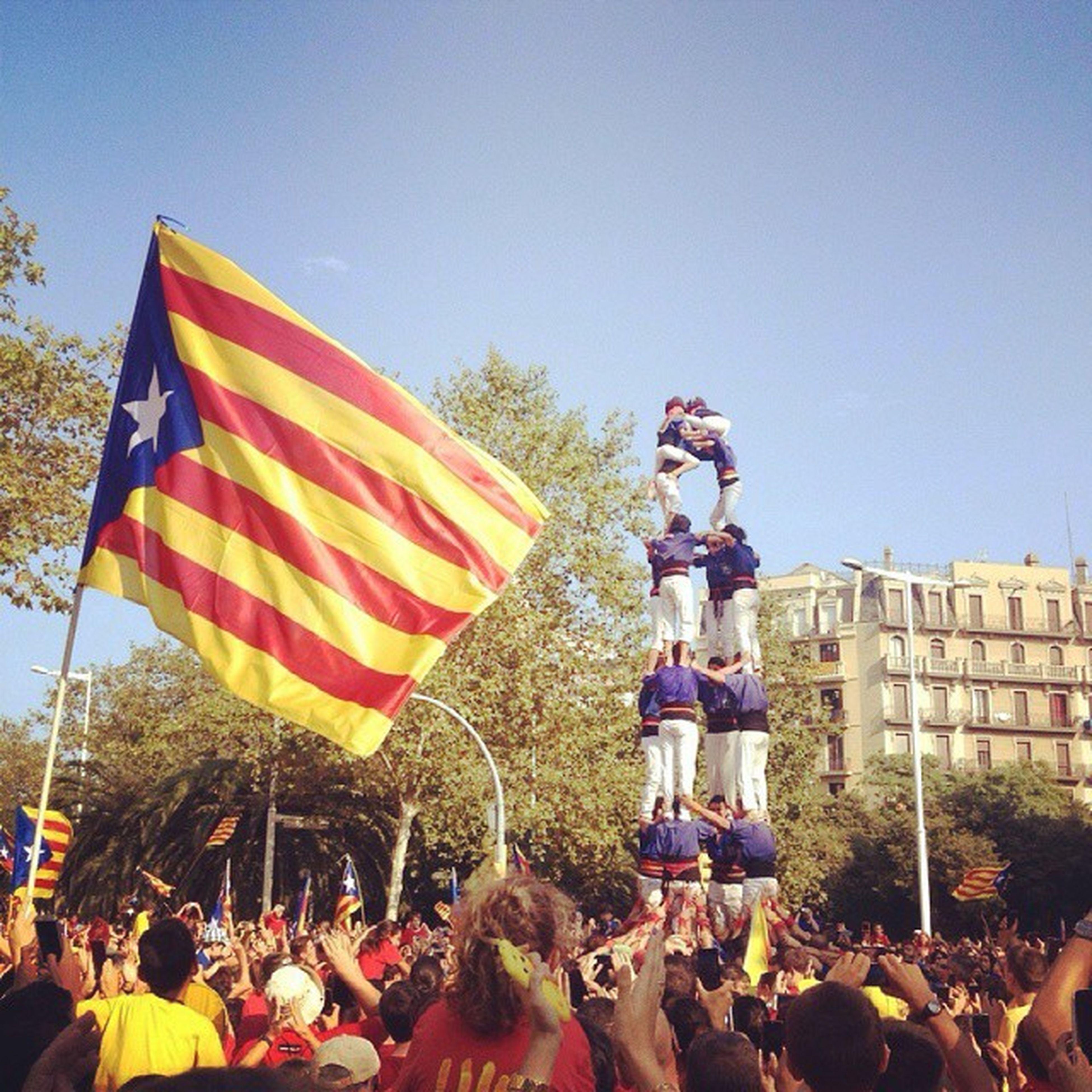 Impressionant la gent que n'hi havia (Bueno si, el catalán no es lo mio) ? Diada Catalunya Moltagent Impresionant castellers estelada pais