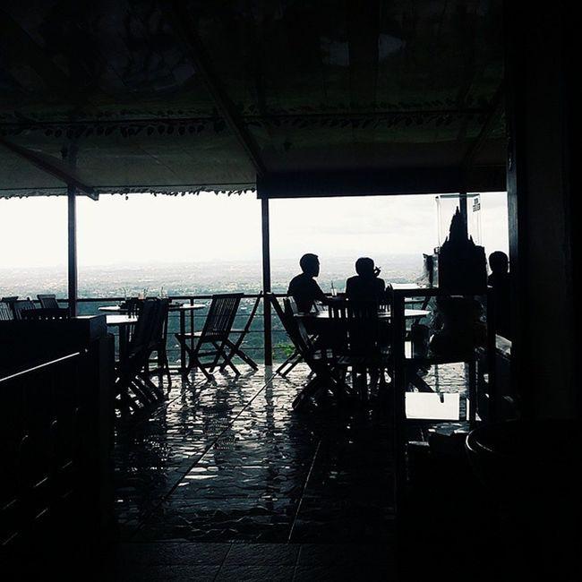nggak cuma nikmatin makanannya, tapi juga bisa nikmatin view jogja yang super duper bagusnya VSCO Vscocam Kamerahpgw Khgw mataponsel journesia indonesianrepost instalike instapic instagood instanesia mp_jatim mp5