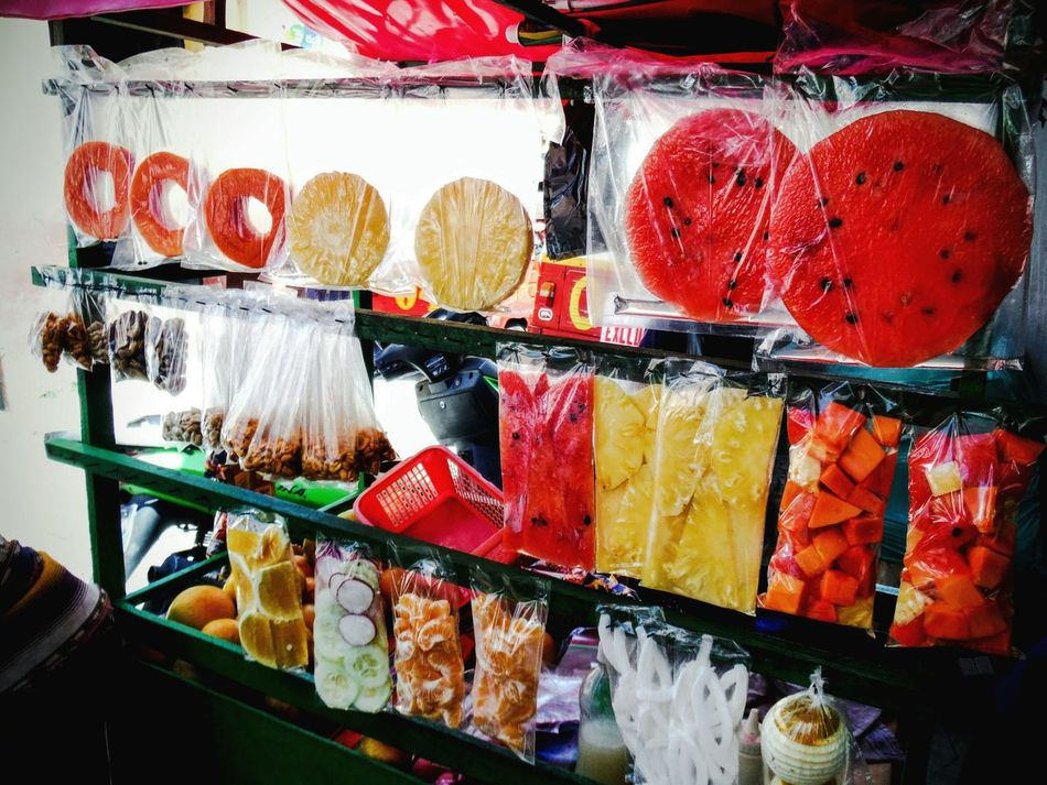 Get 'em by the slice Freshness Choice Food Multi Colored Variation Delicious Colorful Food Colorful Street Food Street Food Worldwide Street Food Market Street Foods Photography For Sale Ready-to-eat Snack Time Market Guatemala Guatemalan Food Street Food Guatemala Watermelon Pineapple Mandarins Fruit Fresh Fruit Fresh Fruits