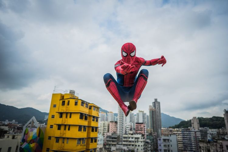 Cloud - Sky Sky Architecture Built Structure Building Exterior Low Angle View Day Mid-air City Outdoors Flying Cityscape No People Spider Spidey Hkspidey HongKong Hong Kong City City Streetphotography