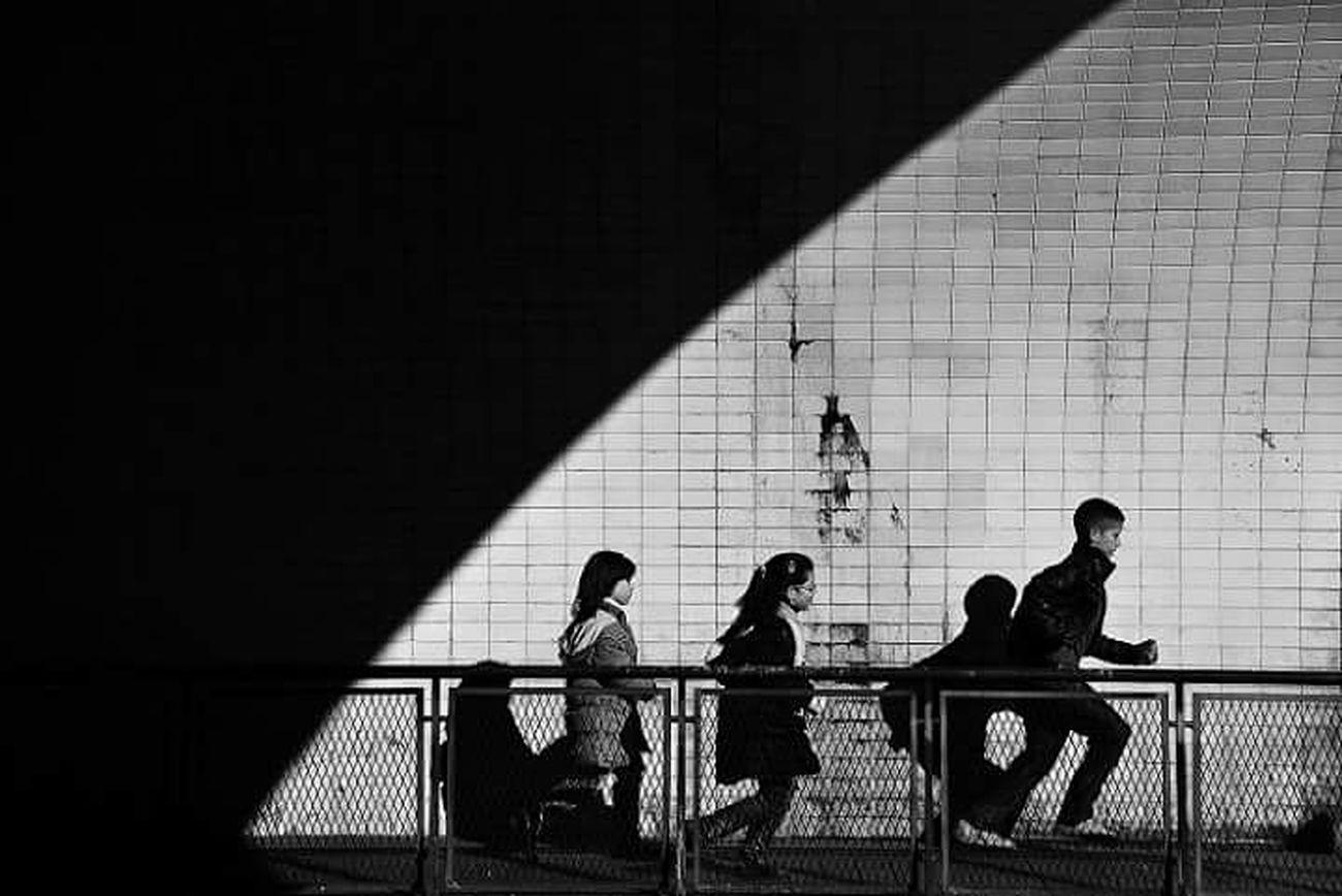 Blackandwhite Photography Street Photography B&w Photography B&w Street Photography EyeEn Porto Thestreetphotographer Streetphotography EyeEm Porto Capture The Moment Blackandwhite Monochrome