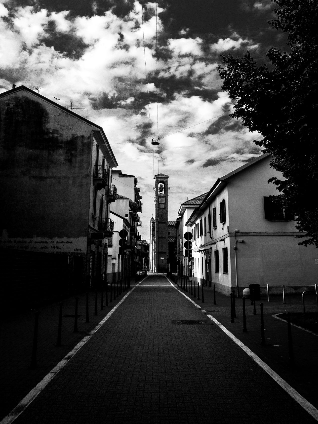 Walking Around EyeEm Gallery Blackandwhite Mobile_photographer Blackandwhite Photography Black And White Mobile Photography Light And Shadow EyeEm Best Shots - Black + White Mobilephotography Black And White Photography Eye4photography  Lightroom Mobile Monochrome_life Clouds And Sky Clouds Cloudporn Taking Photos Hidden Gems  Monochromatic EyeEm Best Shots Hanging Out No People Monochrome Church