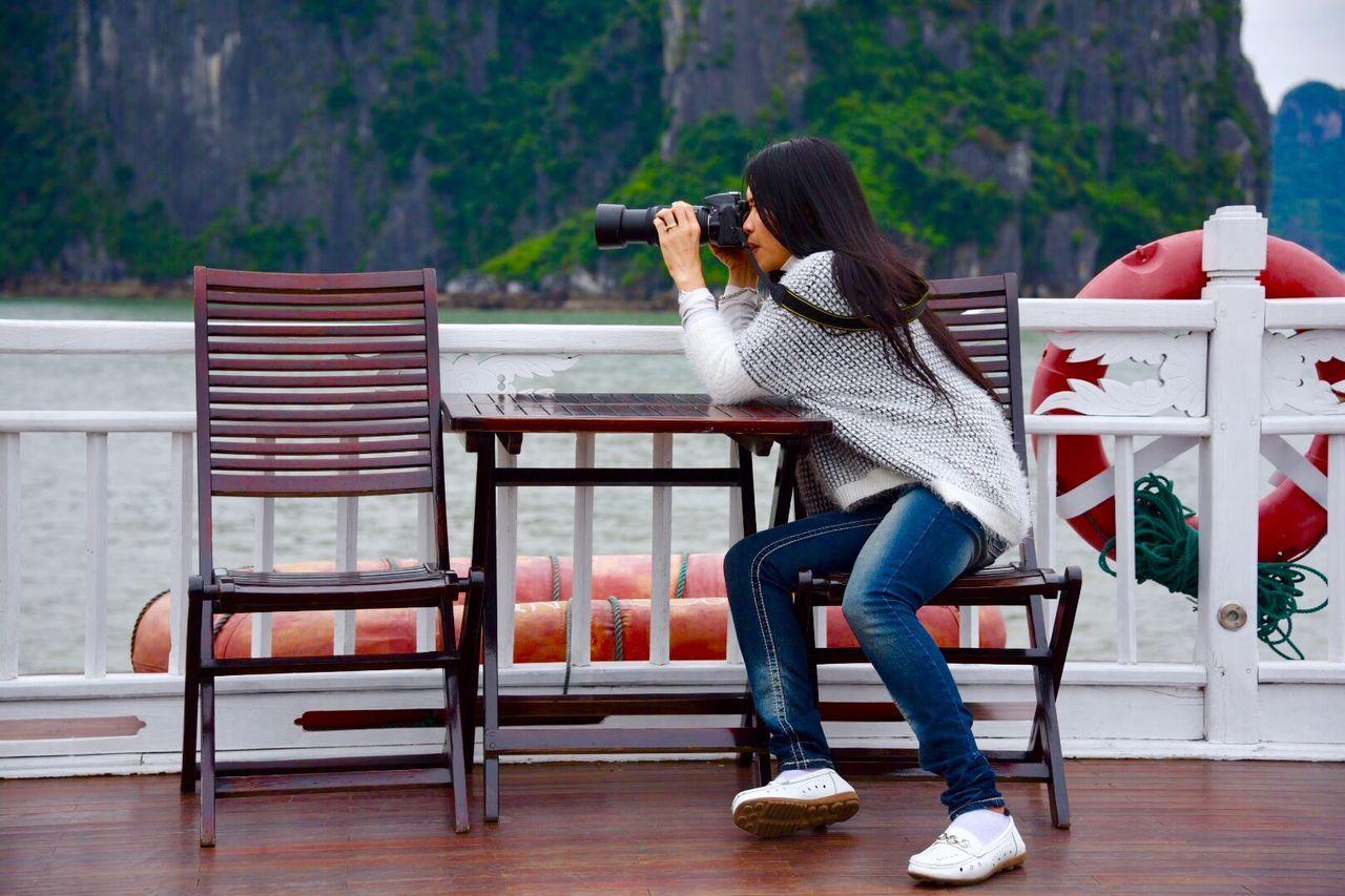 Beautiful stock photos of photographer, Black Hair, Camera - Photographic Equipment, Casual Clothing, Caucasian Ethnicity