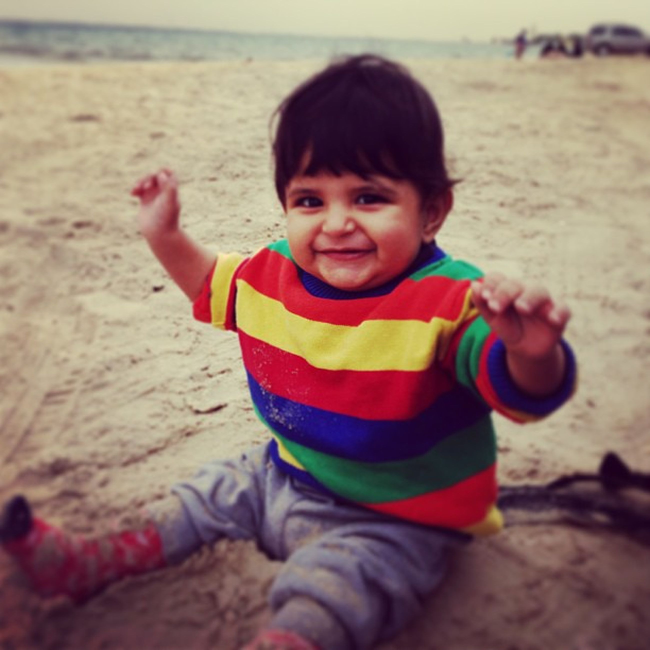 childhood, elementary age, innocence, cute, boys, girls, person, leisure activity, beach, lifestyles, sand, looking at camera, portrait, casual clothing, smiling, playful, playing, preschool age