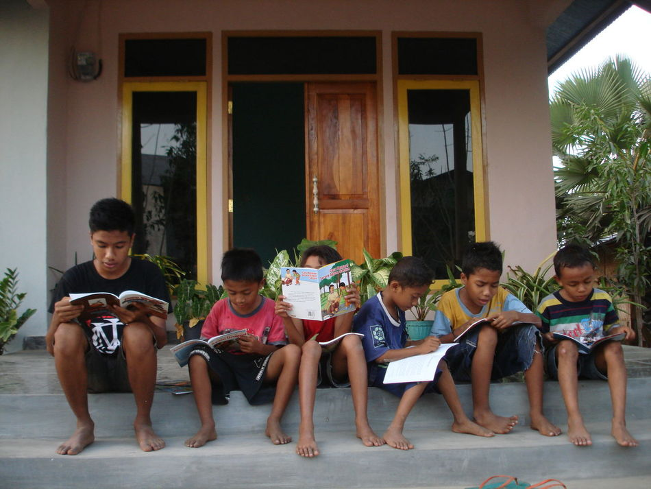 Thanks to you who have bought my photo,it is very meaningful because i can buy books with the money from selling photos for children in Sumba. Enjoyment Friendship Real People Fun Candid Togetherness Mature Adult Smiling People Thankyou Thank You Thanks To EyeEm EyeEm The Week On EyeEem EyeEm Gallery Books Books ♥ Kids Children Meaningful  Selling Reading A Book Reading Beautiful Hello World