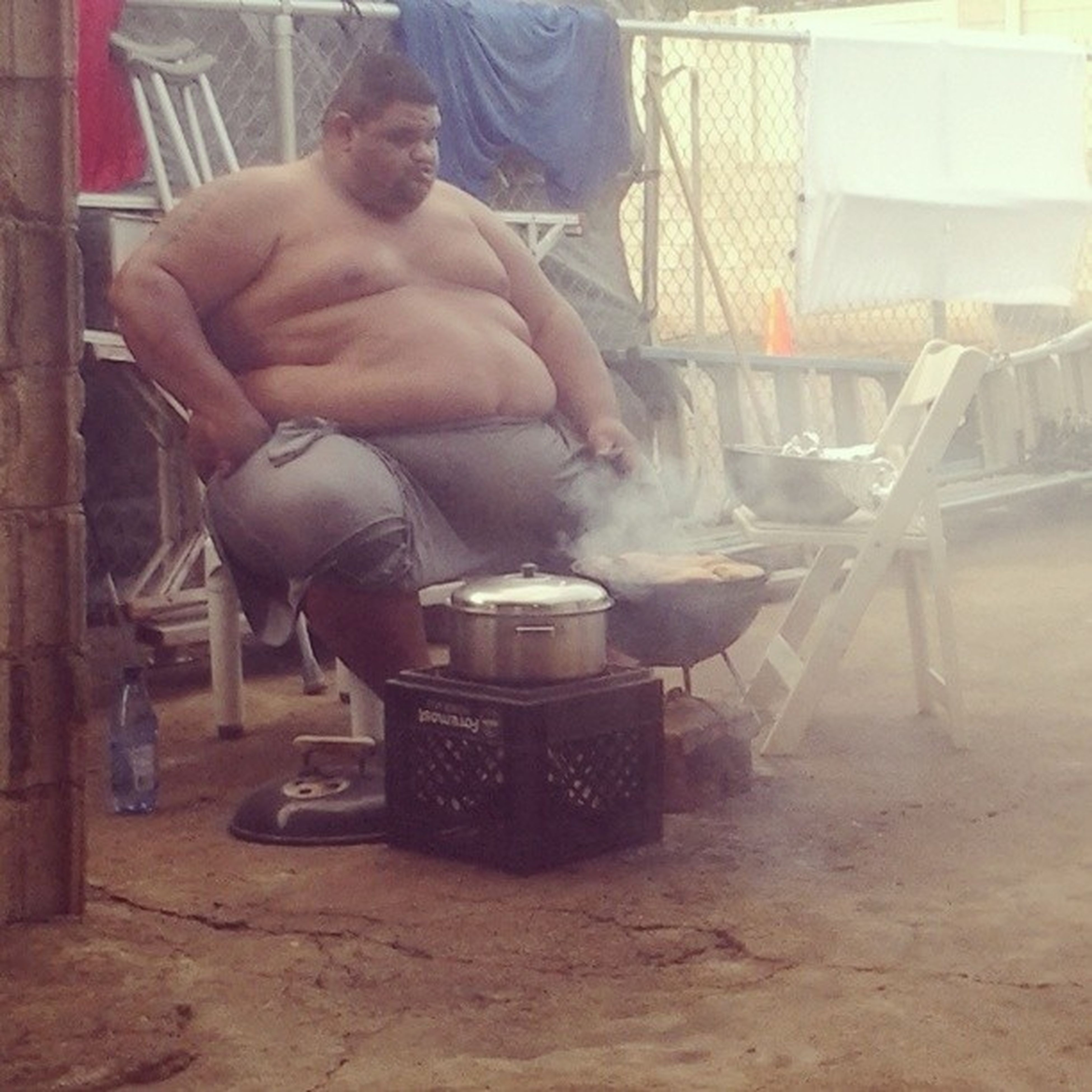 Our skinny chef for the evening! Lmfao. Bigboyyproblemzz Sauceunion Barbq Fire mummum ihungry dinner familystyle