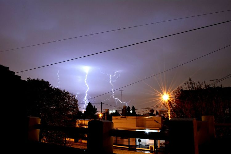 Llavallol Buenosaires Argentina Rayo Relampago Tormenta Storm Beauty In Nature Sky Nature Night Break The Mold