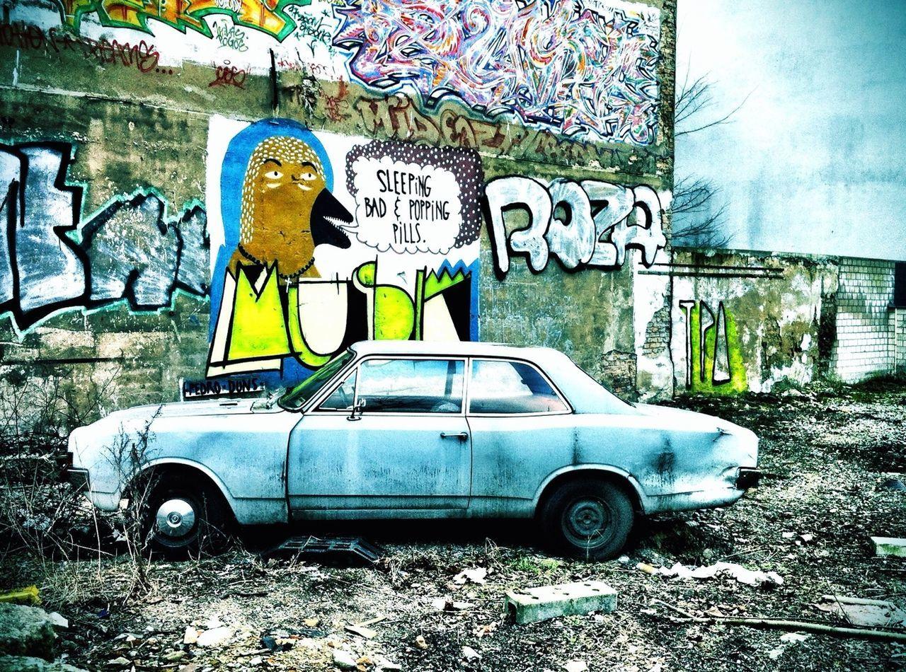 Bye Bye Urban Art By JUNIQE Mobilephotography.de Pantone Colors By GIZMON