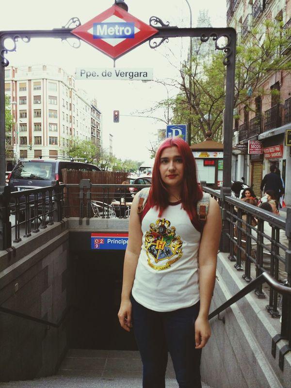 Metro Madrid Harrypotter Potterhard Girl Tumblrgirl Redhair Redlips Tumblr Pelirroja Fashiongirl  Girltumblr