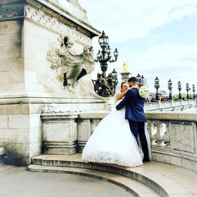 Bonne Soirée! Wedding Bells! Photooftheday Paris EyeEm Best Shots Paris ❤ Streetphoto_color Parisweloveyou Architecture Wedding Wedding Dress
