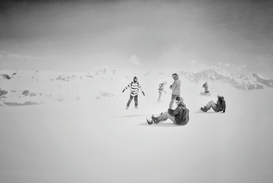 Minimalism Hanging Out Taking Photos Wintertime Skiing Alpine Mountain_collection Skiingislife Alpha6000 Switzerland Lenzerheide Sony A6000 Snow ❄ Winter_collection Cold Days Wintersports Blackandwhite Photography Monochrome The Great Outdoors - 2016 EyeEm Awards
