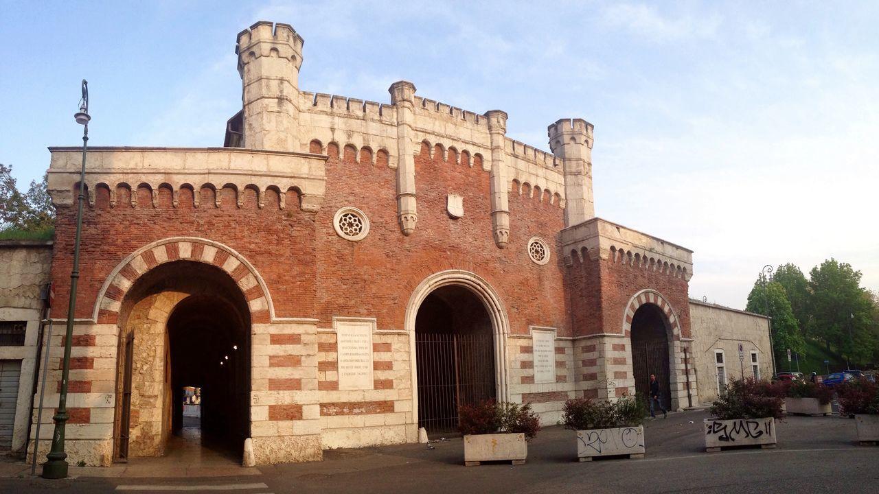 101/365 April 11 One Year Project 2017 Architecture Arch Built Structure Building Exterior History Outdoors Day No People Sky Verona Verona Italy Italy Veneto Porta Vescovo