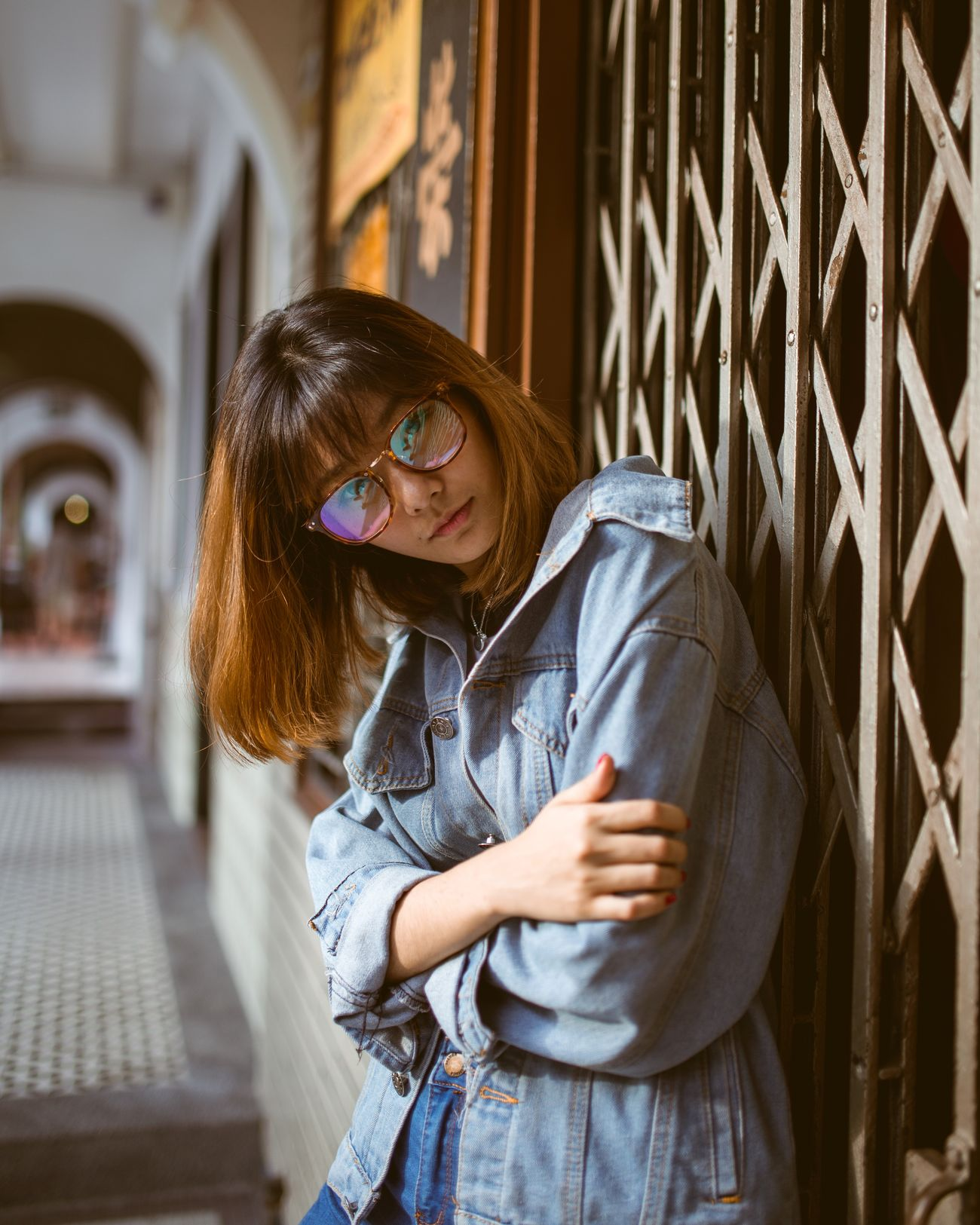 Holo lenses One Woman Only Natural Light Portrait Women Around The World Beautiful People Portrait Photography Women Of EyeEm Portrait Of A Woman Close-up Portrait Women Portraits Of EyeEm Portrait Of A Girl Street Fashion Vintage Vintage Glasses Holographic