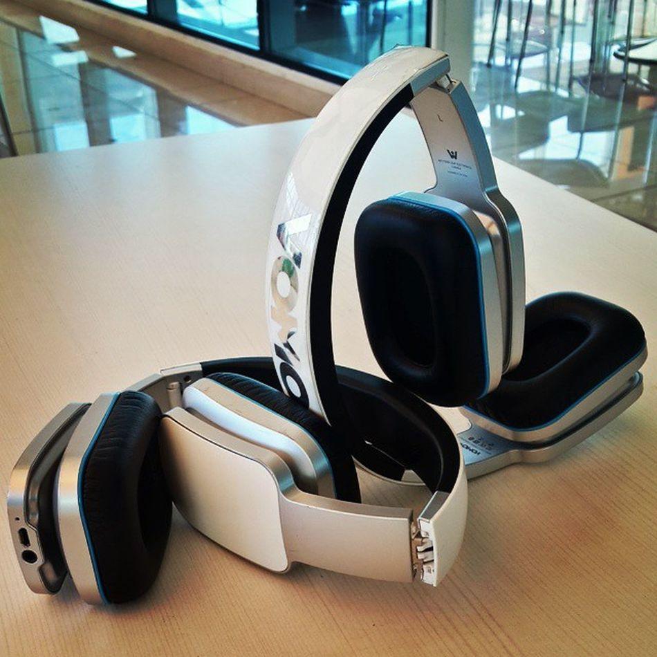 A pair of Vomo Headphones
