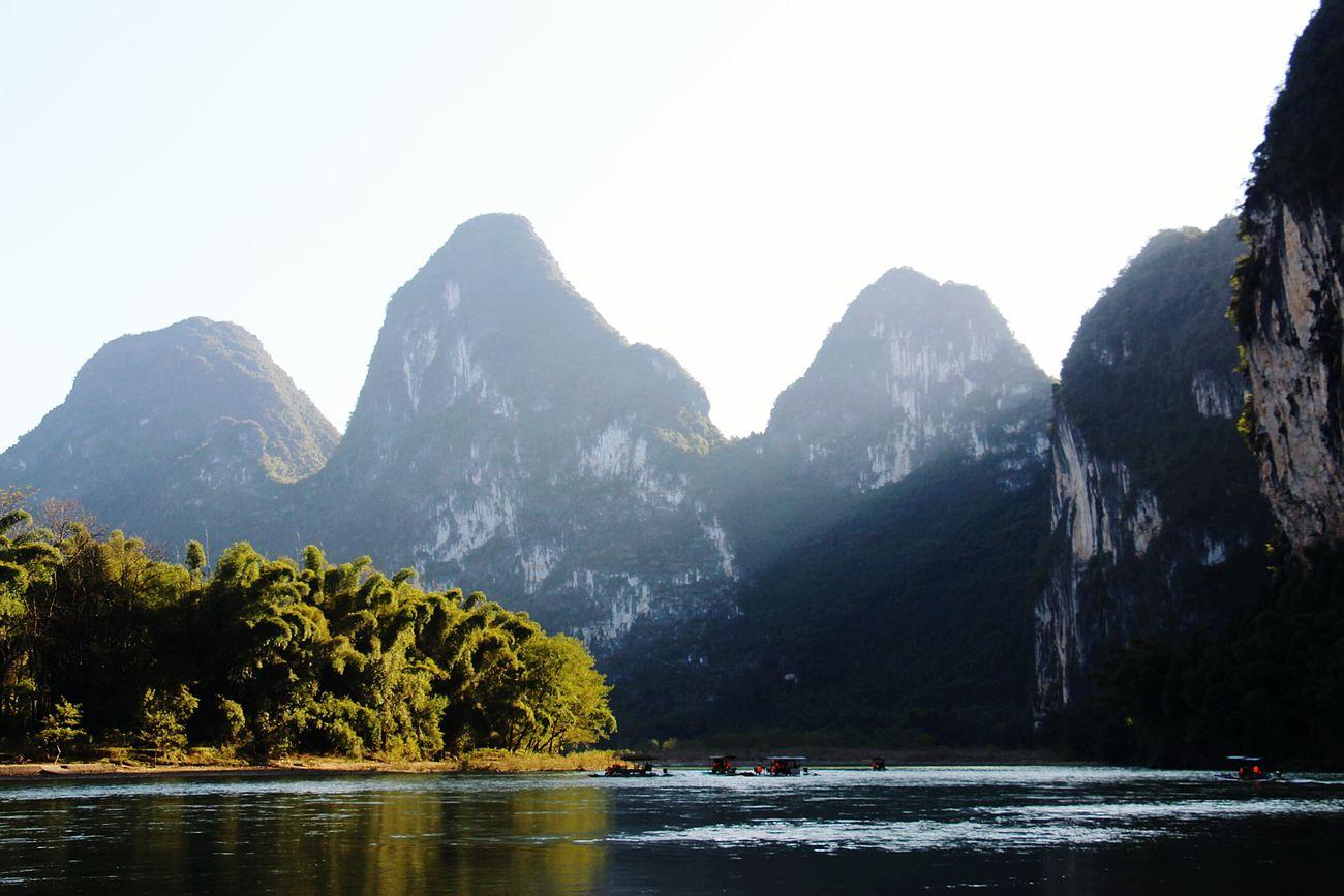 桂林阳朔 游漓江,下午的阳光也暖不了冬天的风。 Guilin Lijiang_yangshuo_china
