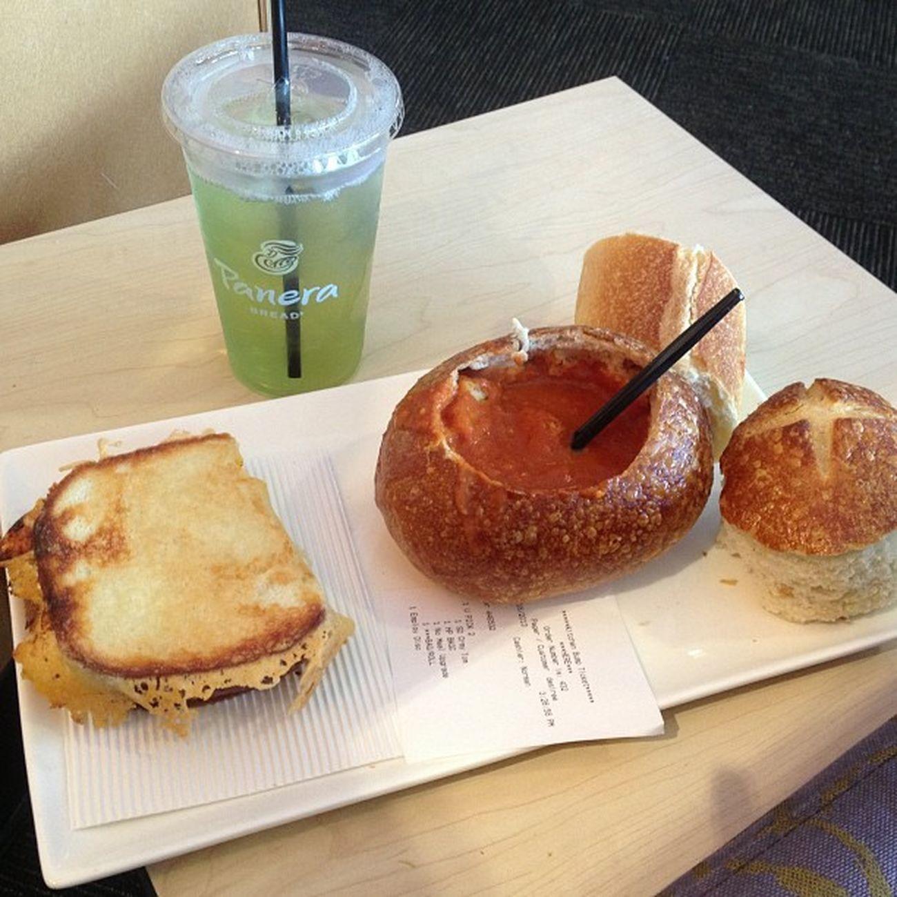 on break eating some bomb! Bigkidzgrilledcheese Creamytomatoe
