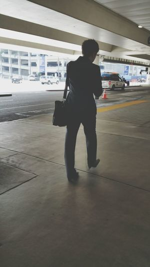 WomeninBusiness Showcase: February Busy Busy Life Getting From Places To Place Airport Terminal This Week On Eyeem Everyday Life Outdoor Photography working womanBusiness Woman On The Move Airport Travel