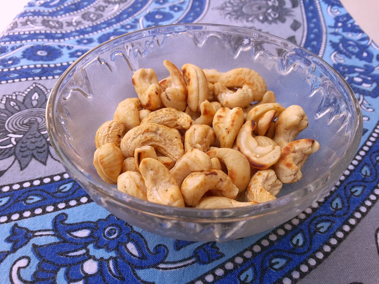 Food Healthy Eating Food And Drink Close-up Tablecloth Plate Freshness No People Ready-to-eat Indoors  Day Cashewnuts Cashew Cashew Nuts Cashews Cashewnut Cashew Fruit Dry Fruit Dry Fruits Close Up Shot Foodphotography Close Up Photography Things In A Glass Glass Glass - Material