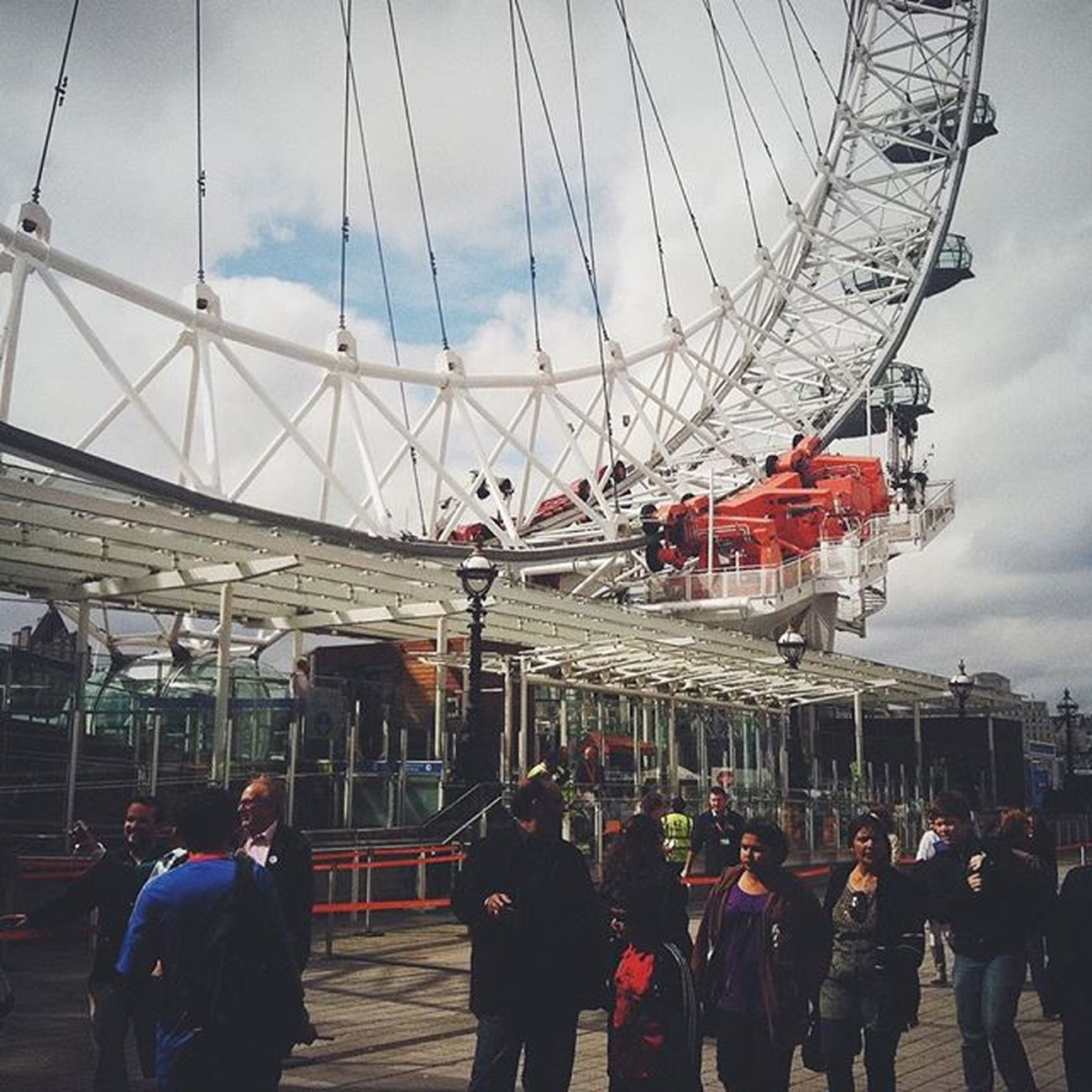 TBT  to when I was in London boarding the Eye! London Uk Photooftheday LondonEye Travel Citylife Explore Adventures Awesome Thamesriver