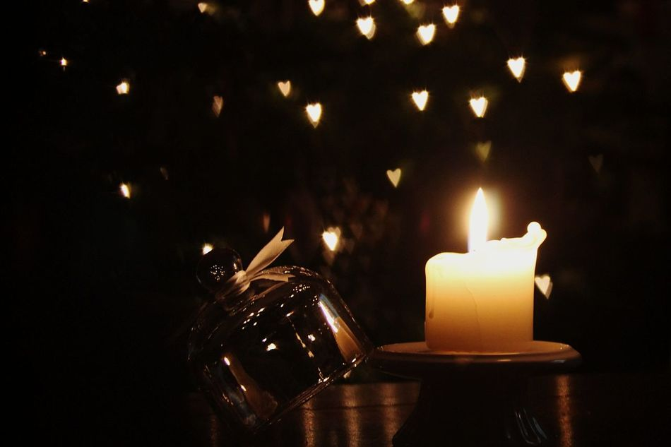 Bokeh Photography Bokeh Love Bokeh Lights Darkness And Light Turn Your Lights Down Low Light In The Darkness Flame Peace And Quiet Lit Candles Peaceful Evening Burning Candles Candle Flame Candle Night Candle Light Candle Bokeh Candlelight Love Is In The Air Bokeh Light Bokeh Love Bokeh Hearts Love