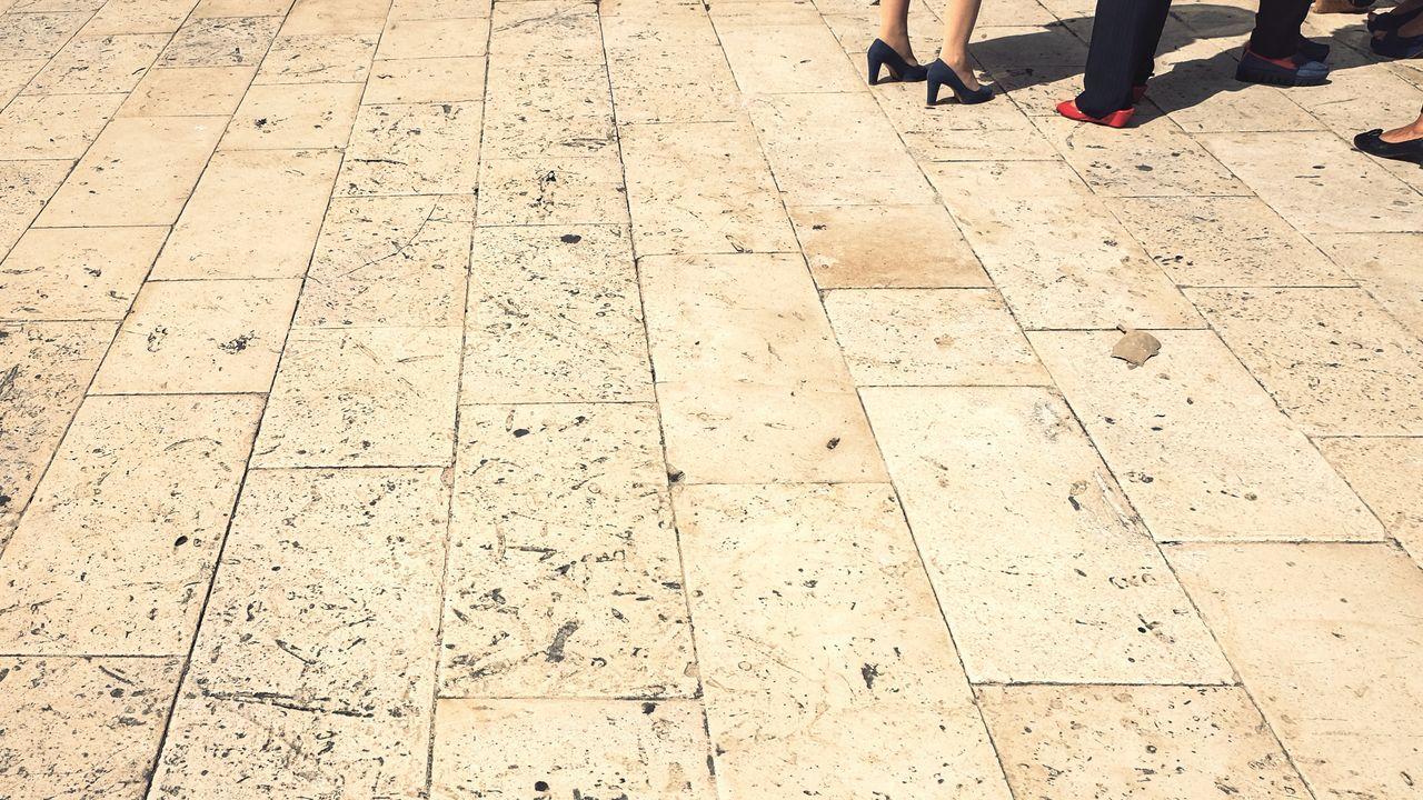 Meeting in the corner. Real People Outdoors Women People Human Body Part Heels Marble Group Surface Standing This Week On Eyeem EyeEm Gallery EyeEm Photography Sicily Italy Siracusa