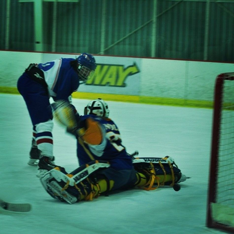 @rkwapo96 first goal of the SFS vs Findlay game Sfshockey Playoffhockey