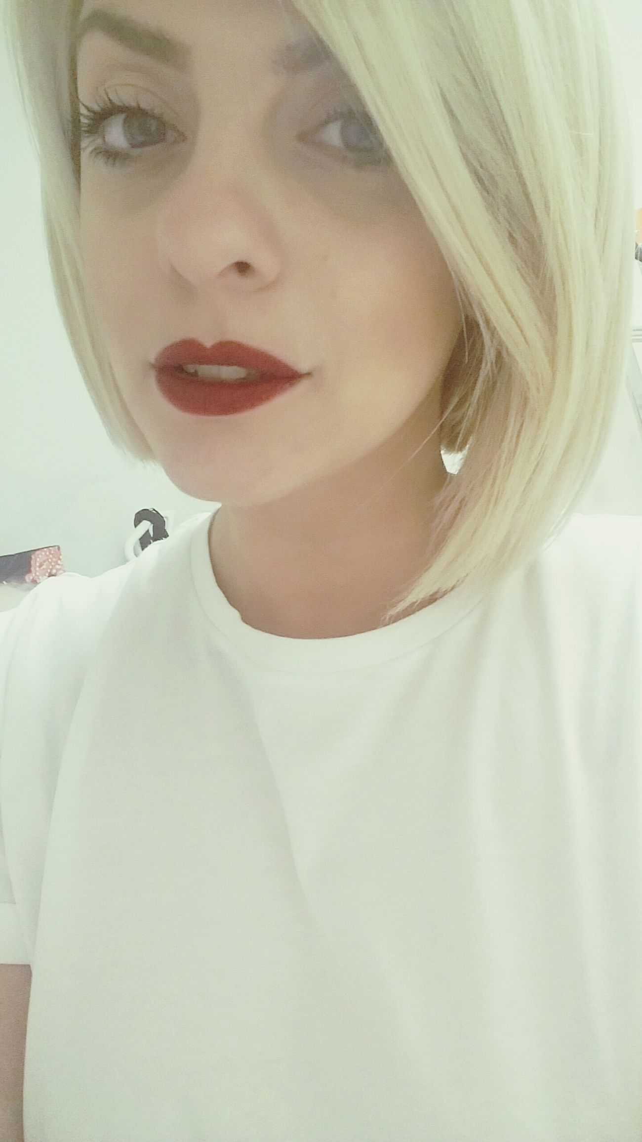 Synday at work.. One Person Blond Hair Portrait Close-up Human Lips Young Adult Me EyeEm EyeEm Best Shots EyeEm Gallery Eyeemphotography Brandnewday Mypointofview Leisure Activity Blonde Red Red Lips White Happy Sunday Woman At Work Picoftheday