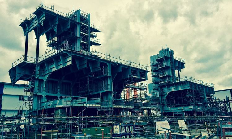 Steelwork Shipbuilding Shipyard Outdoors No People Low View Angle Architecture Sky Cloud - Sky Day