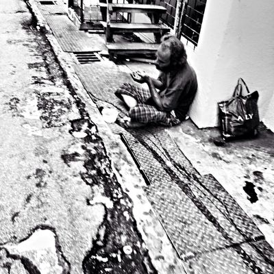 and they ignore you Streetphotography Streetphotography_bw Blackandwhite DailyLifeOfStrangers