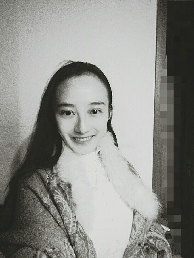 Long Hair Happy New Year That's Me Portrait Taking Photos Hi! Me Thanksgiving Writing People Hello World Check This Out Nevergiveup Personality  Smile Black And White Blackandwhite America Lover Dreaming Faces Of EyeEm Asian Girl Freedom Life Peace