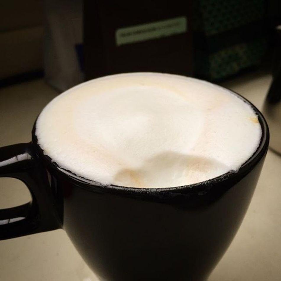No latte art today; just some milk foam you can bite. Wholelattelove Coffeegeek Cuppuccino Bluebottlecoffee