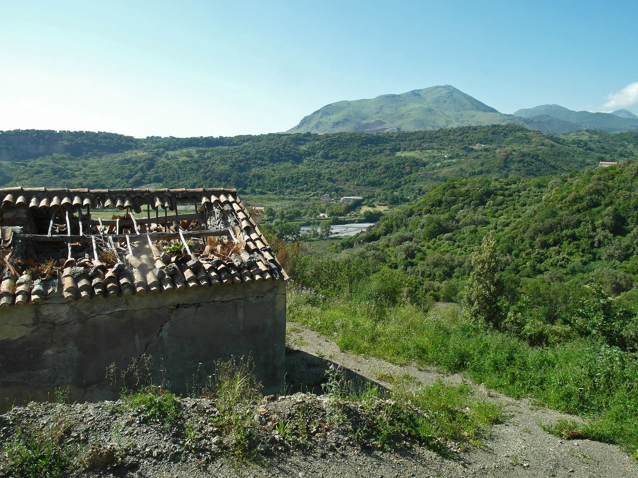 Calabrian landscape Roof South Italy Trees Abandoned Buildings Architecture Beauty In Nature Building Built Structure Calabria Forest Forest Trees Italy Landscape Mountain Nature Orsomarso Roof Broken Down Travel Destination