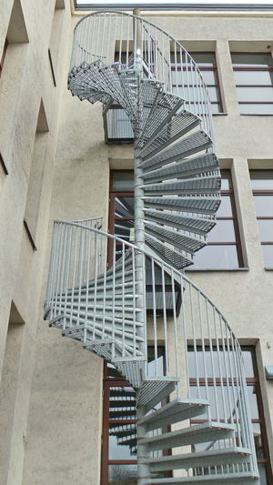 Architecture Architektur Low Angle View Metal Metall Spiral Staircase Spiral Stairs Stahl Staircase Stairs Stairs Steel Steps Steps And Staircases Treppe Wendeltreppe Urban Geometry