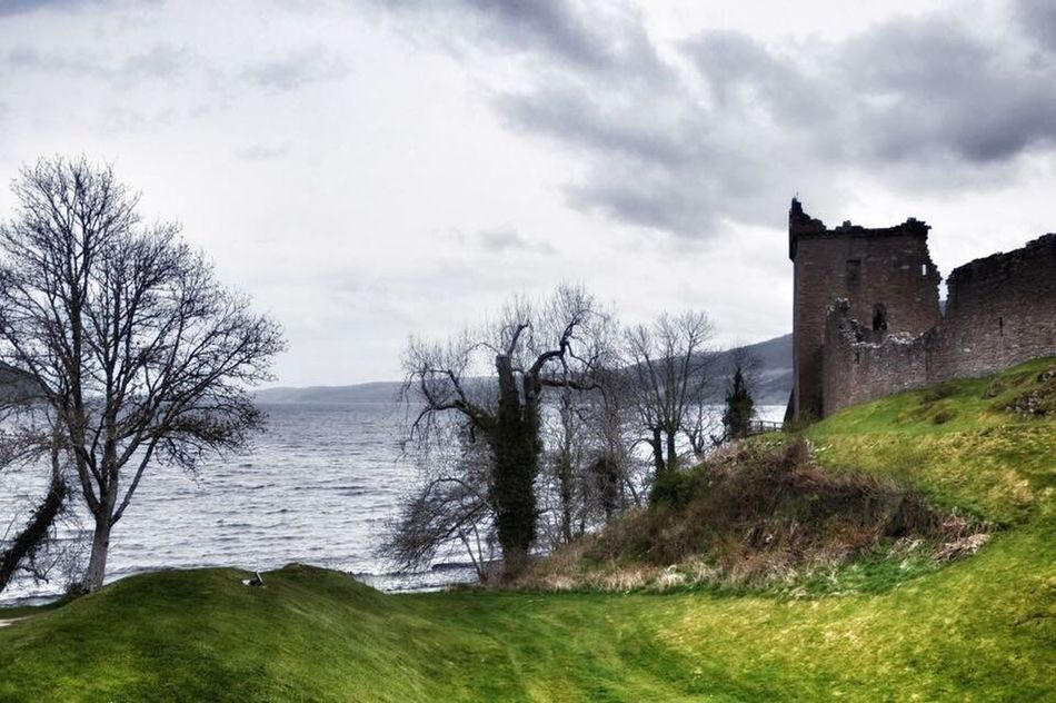 Scotland memories 💙🌼 The beautiful UrquhartCastle by Lochness Naturelovers Landscape Water Nature Cloud - Sky Tranquility Scenics Seaside Horizon Over Water Sea And Sky Landscape_photography Landscape_Collection Nikon Beautiful Nature Nature_collection Beauty In Nature History Ancient Castle Old Ruin Scotland Sky Tranquil Scene