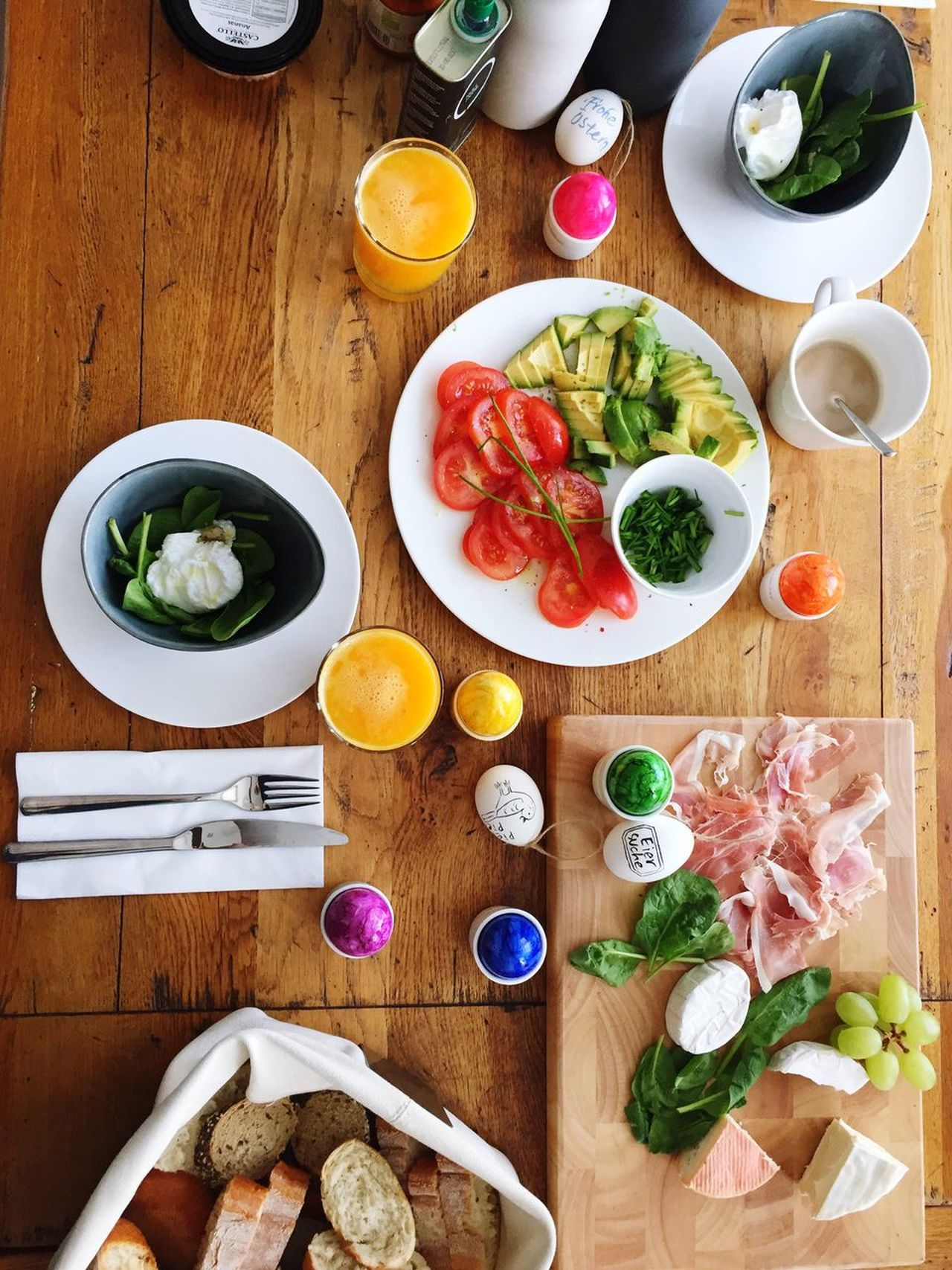 Pepper Orange Juice  Easter Sunday Easter Eggs Breakfast Egg Table Breakfast Time Knife Oil Ham Cheese Bread Bread & Butter Good Morning Quality Time Architecture Food Healthy Eating Freshness Coffee Tomato Avocado