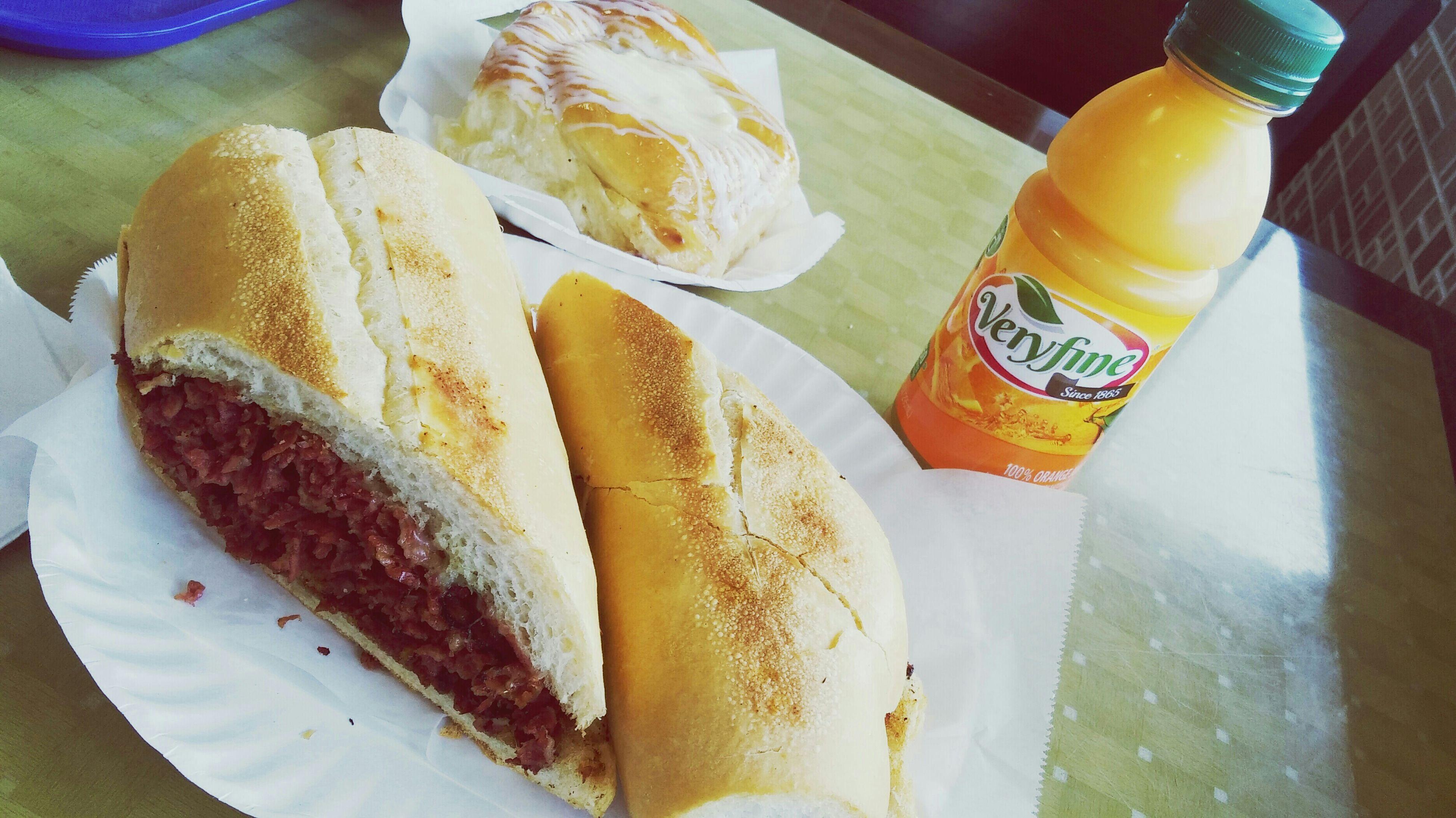 Pastramisandwich Pastrami Sandwich Orangejuice Mayorca Veryfine