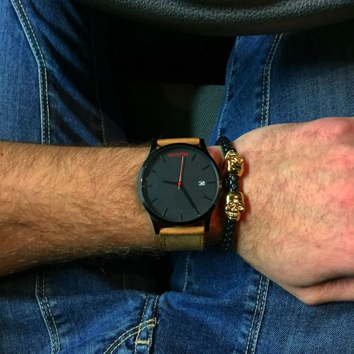 Piessolç... Mvmtwatches Jointhemvmt Mvmt Northskull Dollars Hello World Check This Out Hanging Out Hi! Enjoying Life Freedom Hello World