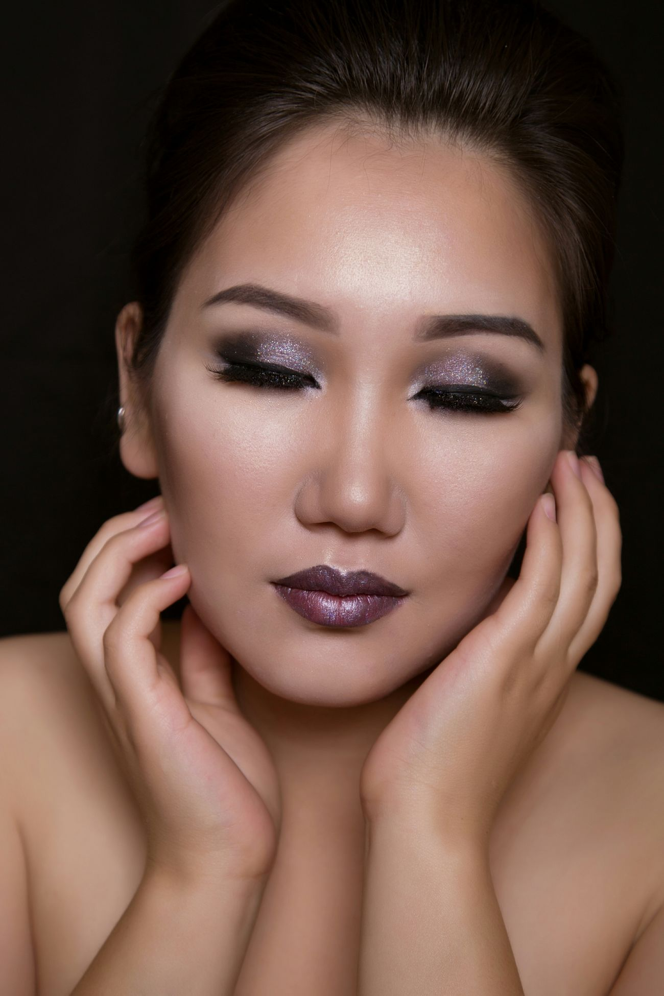 Portrait Of A Woman Portrait Photography Portrait Makeup Makeupartist Beauty Asian Girl Yakutiangirl