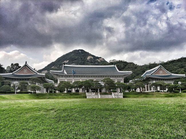 Cheongwadae Of Korea First Eyeem Photo Korea Korean Traditional Architecture Blue House Blue Cloudy Cool Mood